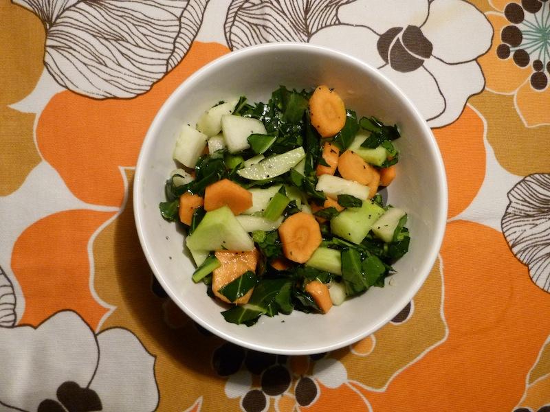 Salada de cenoura e couve rábano