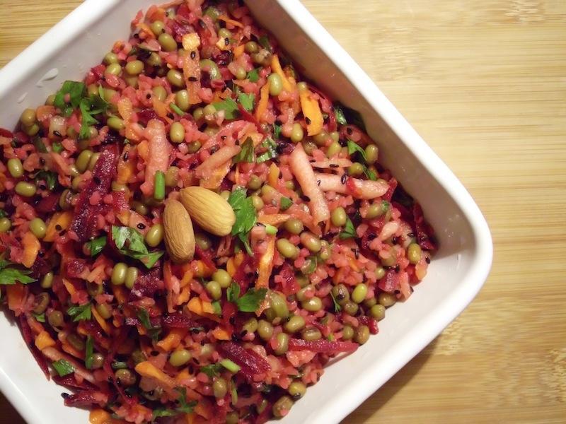 salada de bulgur e feijão mung