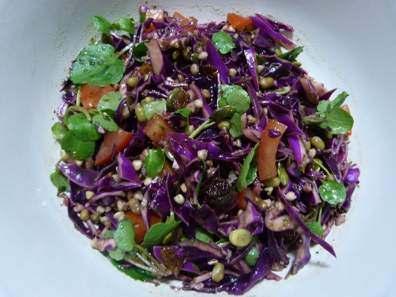 Salada de feijão mung e trigo sarraceno